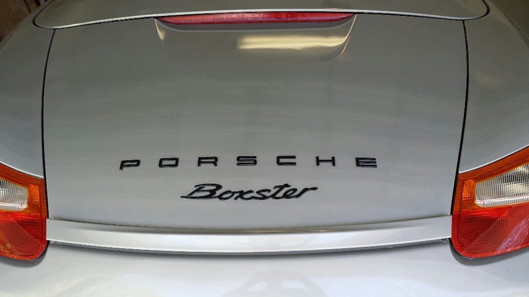 replaced broken trunk emblem 986 forum for porsche. Black Bedroom Furniture Sets. Home Design Ideas