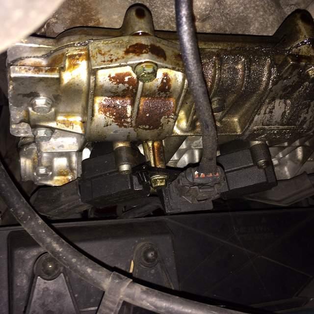 Porsche 996 Engine Temperature: Oil Leak & Possible Coolant Leak