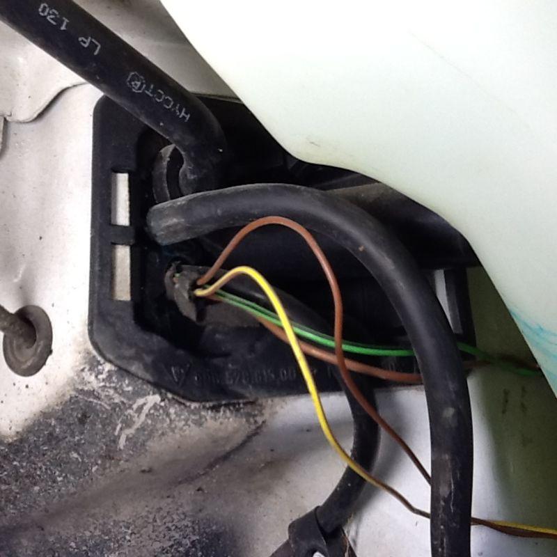 Windshield washer reservoir bottle leaking - 986 Forum - for